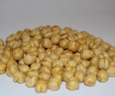 Extra yellow roasted chickpeas
